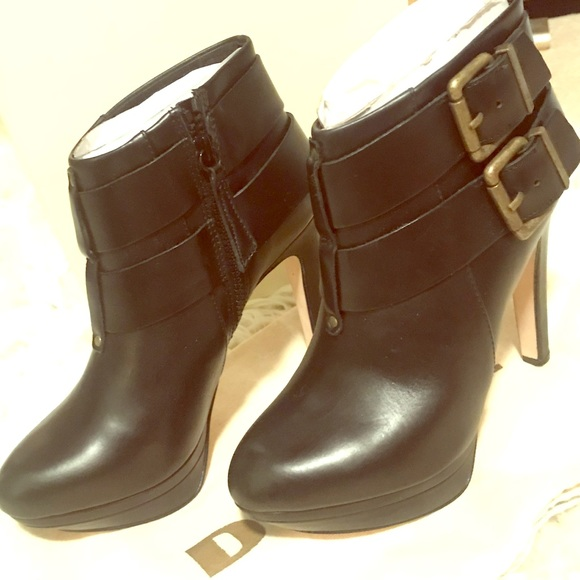 65be21f498f Diesel SYDNEY black leather ankle booties